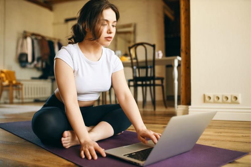 ヨガ講師の求人を出しているオンラインサイトってどんなの?
