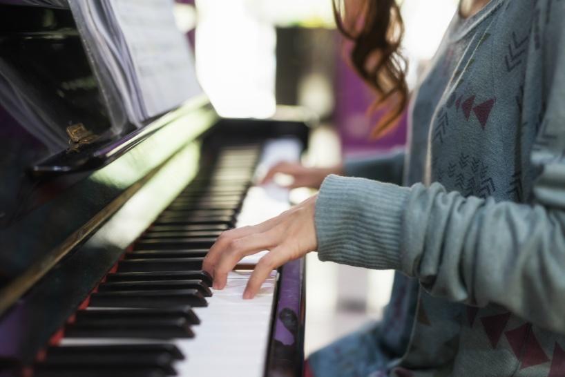 ピアノ講師で副業収入!レベル別に生徒を集めよう
