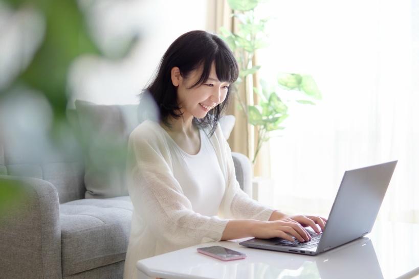 オンライン英会話で自宅でバイト!パソコン&スマホでお小遣い稼ぐ