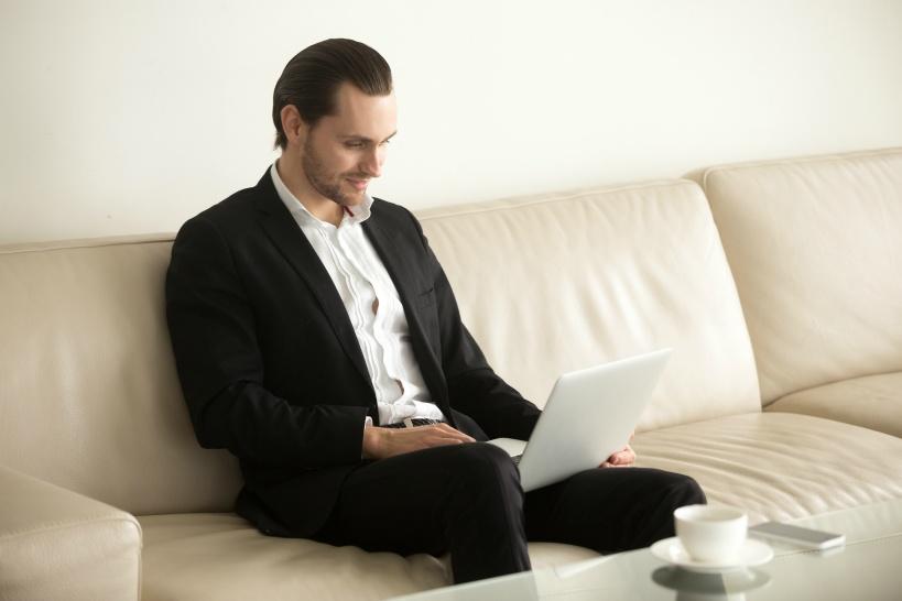 スキルや資格のないサラリーマンにおすすめしたい副業「ウェブライティング」