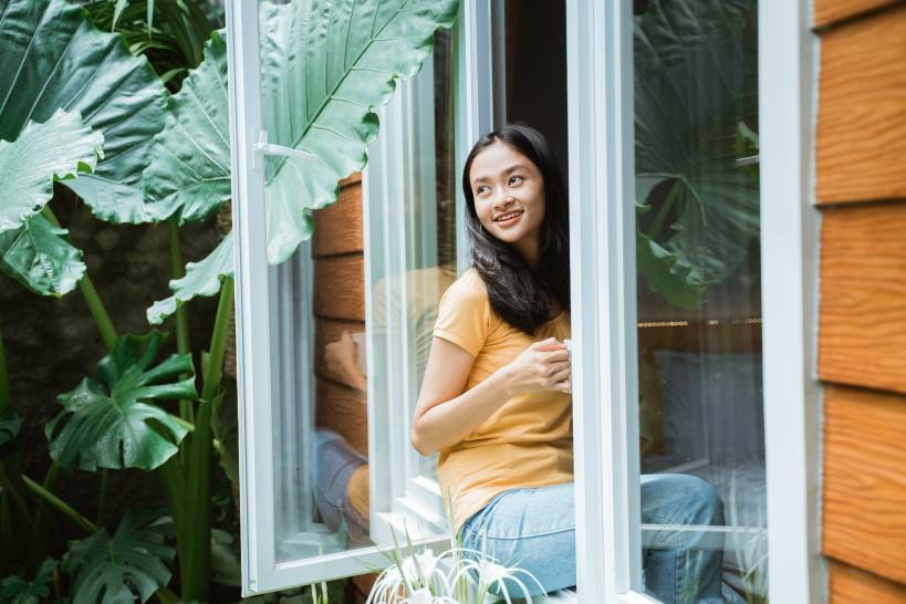 副業を在宅でする女性は、家事や育児を考えて納期を相談できる依頼主を探そう