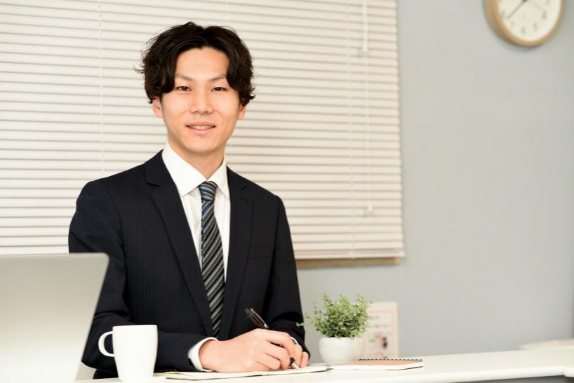 テレワーク中に副業で数百万円を稼ぎたい!いっそのこと法人や屋号を申請するのもおすすめ。